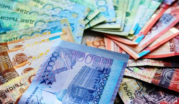 Казахстанцы отправили за рубеж более 50 миллиардов тенге